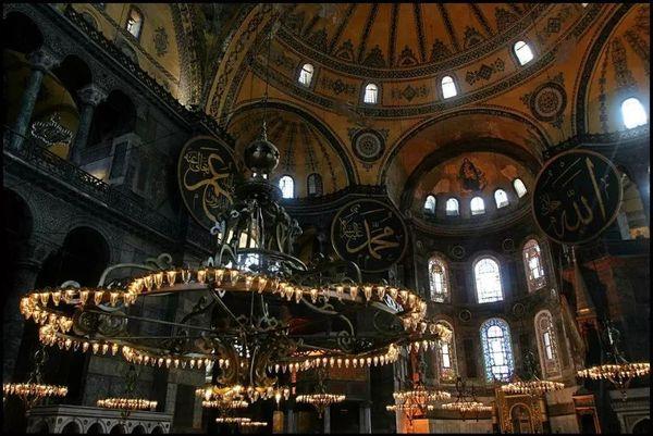 拜占庭式建筑 圣索菲亞大教堂 (22).jpeg